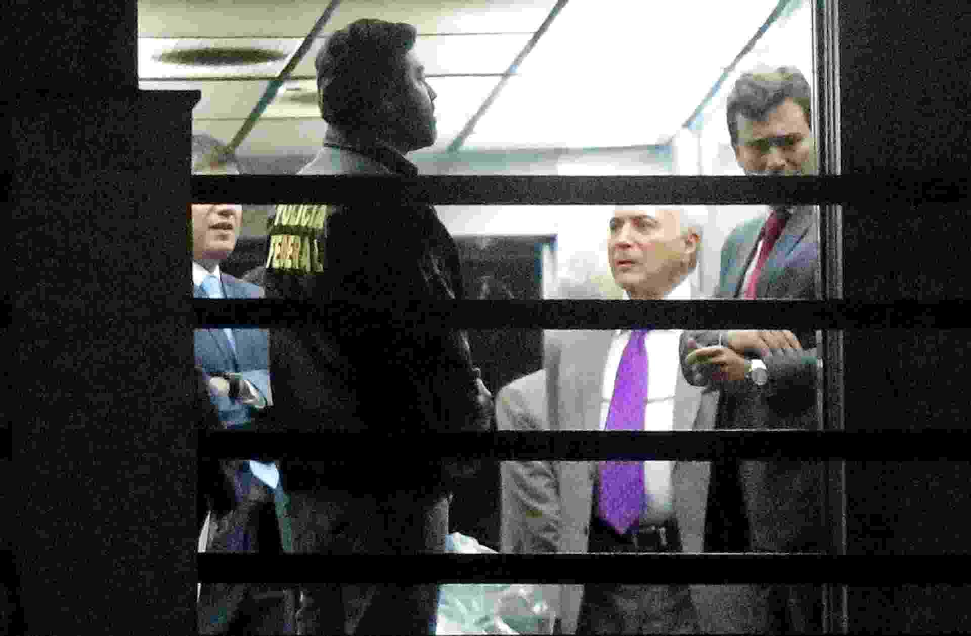 25.mar.2019 - Ex-presidente Michel Temer (MDB) espera dentro da Superintendência da PF (Polícia Federal) no centro do Rio de Janeiro para ser liberado após quatro dias de prisão - FÁBIO MOTTA/ESTADÃO CONTEÚDO