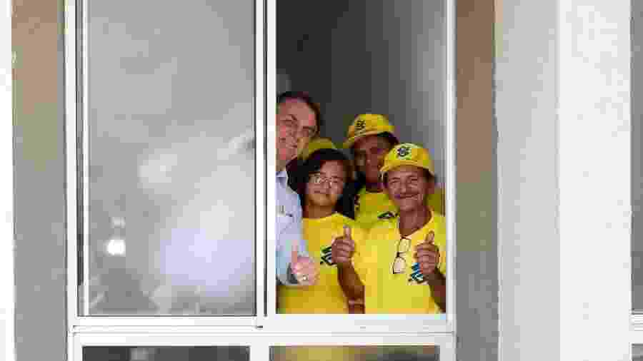 O presidente Jair Bolsonaro inaugura moradias populares em Campina Grande, na Paraíba - Alan Santos/PR