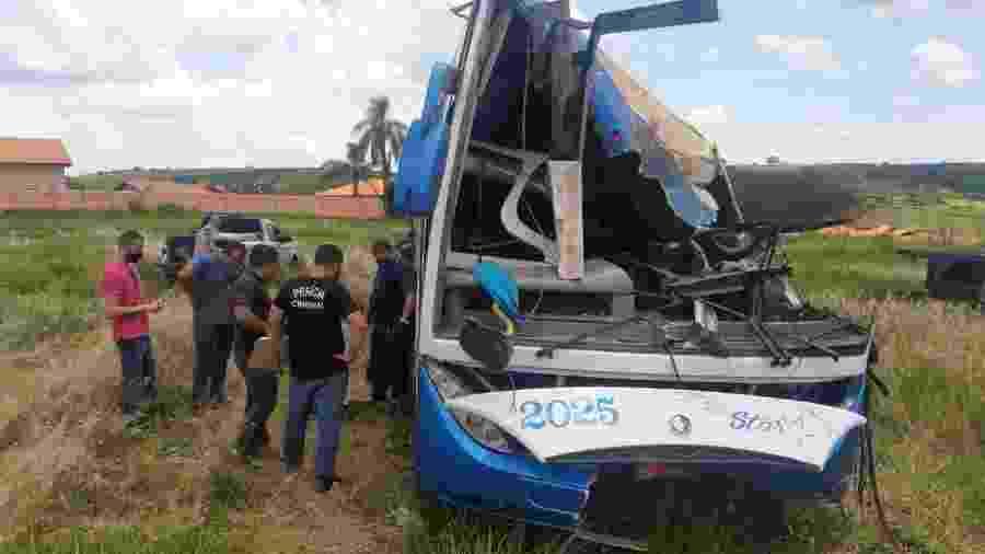 Ônibus passou por nova perícia nesta sexta-feira (27) - Henrique Outeiro/UOL