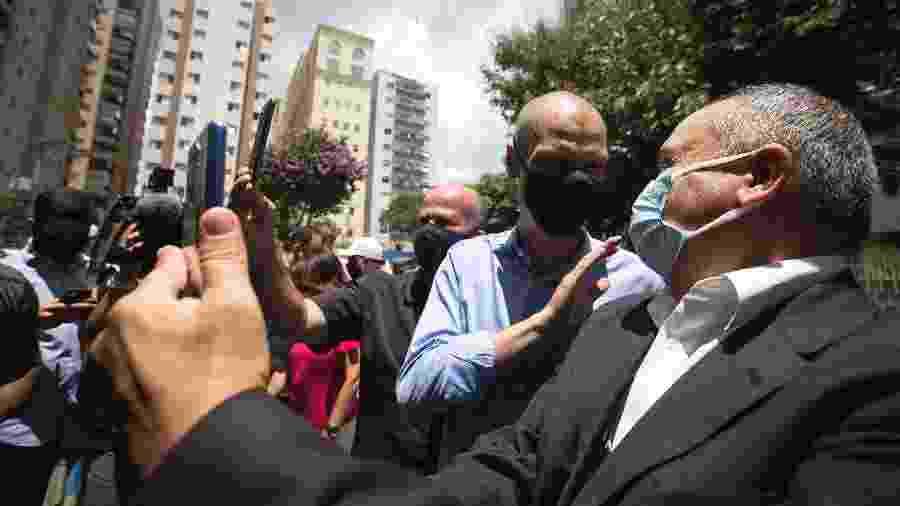Campanha do prefeito percebeu que, além de martelar na experiência de Covas, deveria usar estratégia do rival do PSOL - Zanone Fraissat/Folhapress