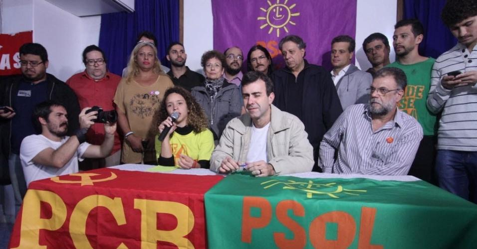 20.jul.2016 - O deputado Marcelo Freixo em coletiva após ter sua candidatura à Prefeitura da capital carioca, oficializada pelo Partido Socialismo e Liberdade (PSOL), em cerimônia no Rio de Janeiro (RJ), nesta quarta-feira