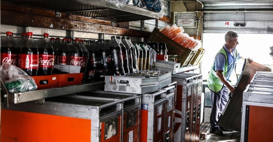 Dentro dos caminhões, a temperatura também é controlada para evitar problema para os alimentos e bebidas