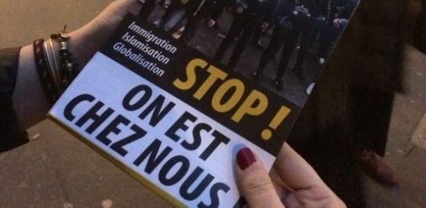"""""""Estamos em casa"""", diz o folheto distribuído pelos jovens """"identitários"""" franceses"""