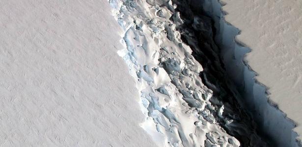 Uma enorme fissura em uma plataforma de gelo na Antártida pode criar um iceberg 300 mil vezes maior àquele que provocou o naufrágio do Titanic