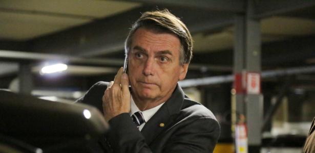 O deputado Jair Bolsonaro (PSL-RJ) ao chegar para o evento do jornal Correio Braziliense