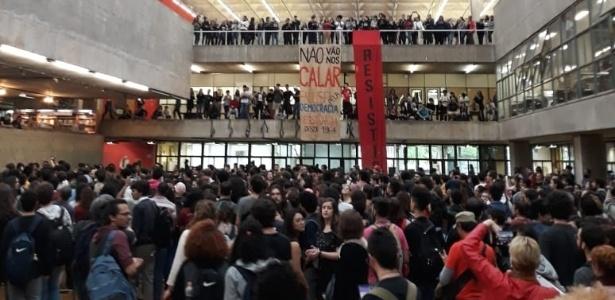 Alunos da USP se mobilizam em manifestação de repúdio ao fascismo