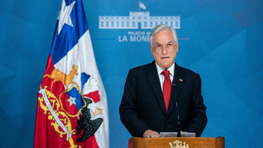 19.out.2019 - Presidente do Chile, Sebastián Piñera, ao declarar estado de emergência em Santiago - Divulgação/Presidência do Chile via AFP