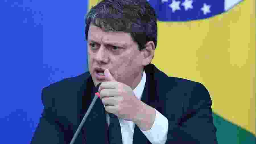 22.abr.2020 - O ministro da Infraestrutura, Tarcísio Gomes de Freitas, durante coletiva de imprensa sobre a crise do coronavírus - Edu Andrade/Fatopress/Estadão Conteúdo