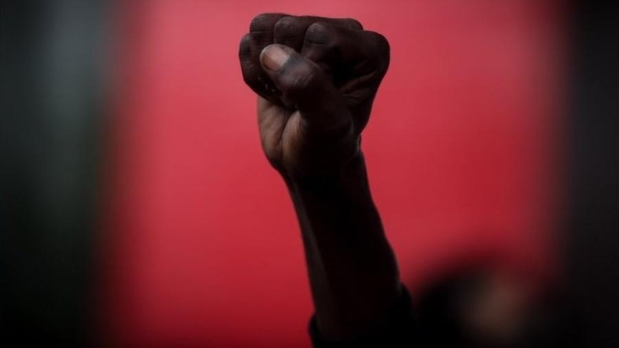 Manifestantes protestaram contra o homicídio de soldador negro em loja do Carrefour - EPA