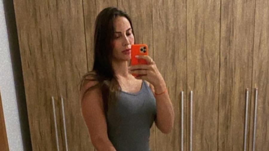 Quésia Berger Amaral tinha 25 anos e deixou duas filhas - Facebook/Reprodução