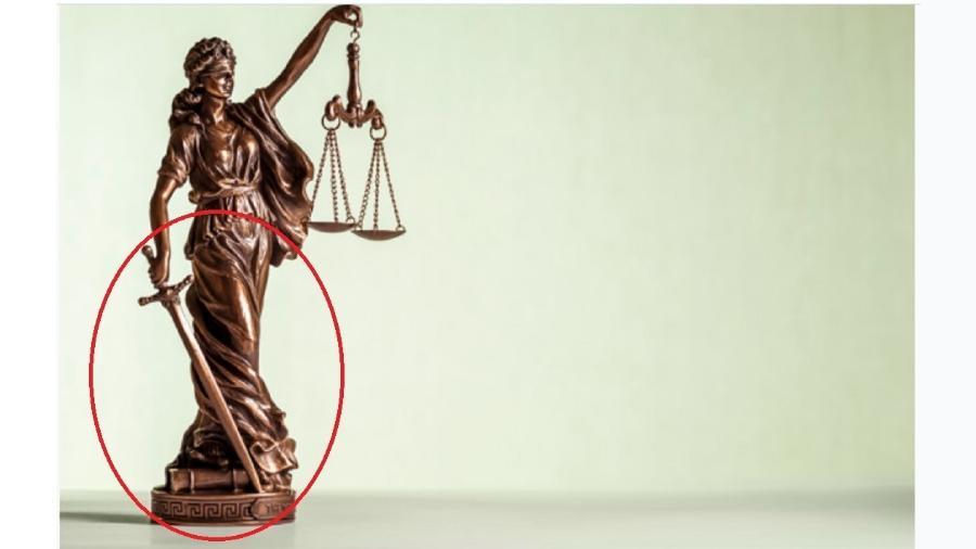 Estátua da Justiça, que tem os olhos vendados para não distinguir poderosos de não poderosos, e uma espada na mão (em destaque). Pazuello tem receio das duas coisas... - Freepik