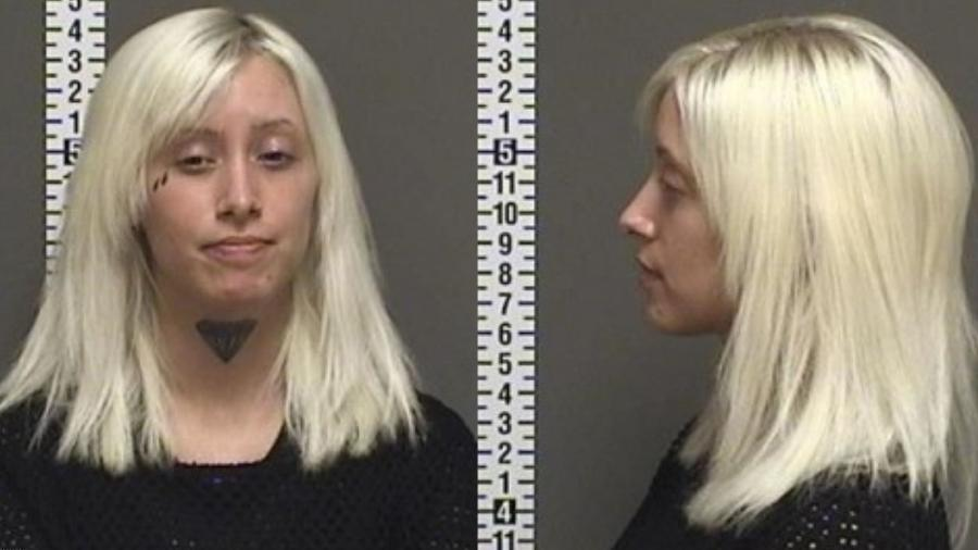 Blair Rebecca Whitten, de 28 anos, foi acusada de quase atropelar duas pessoas durante funeral do ex-namorado - Fargo Police Department