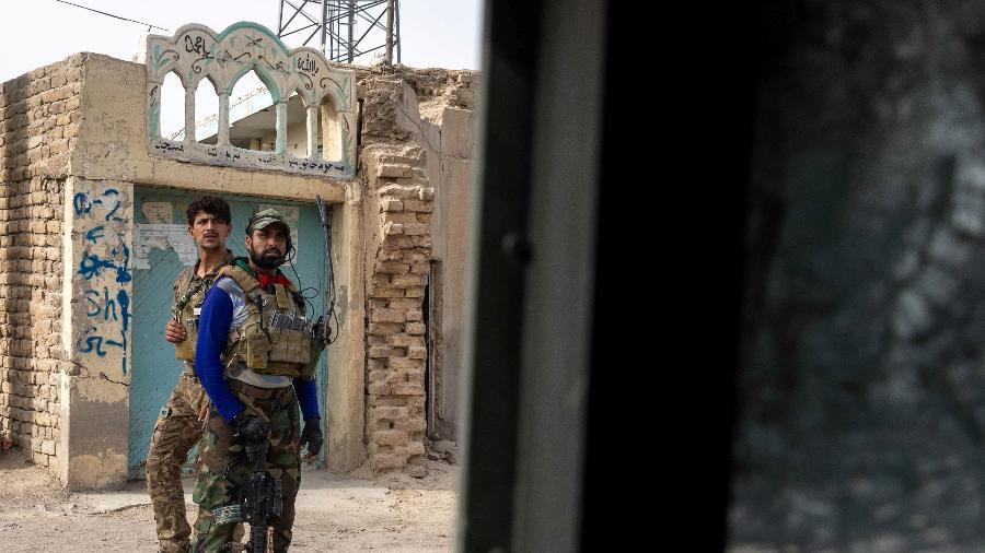 Membros das Forças Especiais Afegãs se reagrupam após fortes confrontos com o Talibã, na província de Kandahar - Danish Siddiqui/Reuters - 13.jul.2021