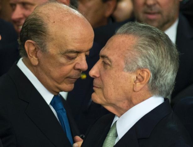 12.mai.2016 - O presidente interino Michel Temer dá posse a novos ministros, como o senador José Serra (PSDB-SP), que assumiu o Itamaraty