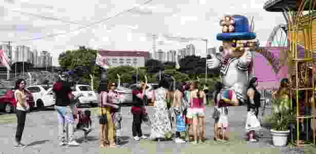 25.fev.2017 - Sem animais, palhaços famosos da televisão ajudam a atrair público para o circo - Gui Christ/ BBC Brasil - Gui Christ/ BBC Brasil