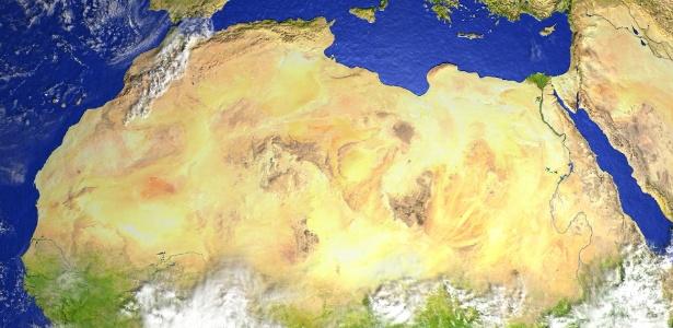 O deserto do Saara hoje em dia. A cor creme clara reflete os raios de luz, o que afeta a frequência das chuvas de monções, essenciais para a vegetação