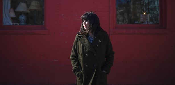 Erin Barnes foi vítima de um bot no Twitter que usava seu nome e uma foto sua - Nick Cote/The New York Times