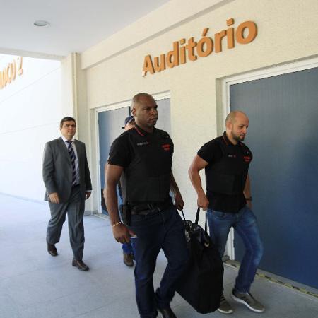 Integrantes de milícia especializada em grilagem de terras são presos no RJ