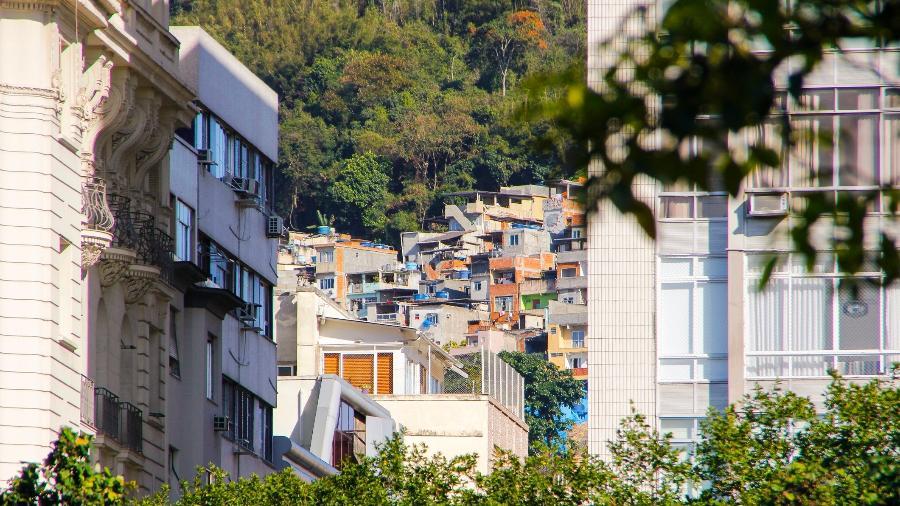 Favela no Rio de Janeiro - Brunomartinsimagens/Getty Images/iStockphoto