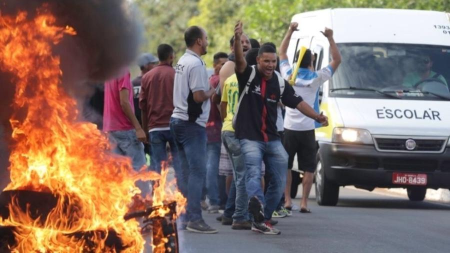 Manifestantes fazem protesto em foto do ano passado - Agência Brasil