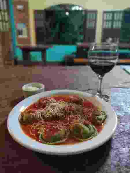 Restaurante Galpão no Vale do Capão - Cândida Moraes - Cândida Moraes
