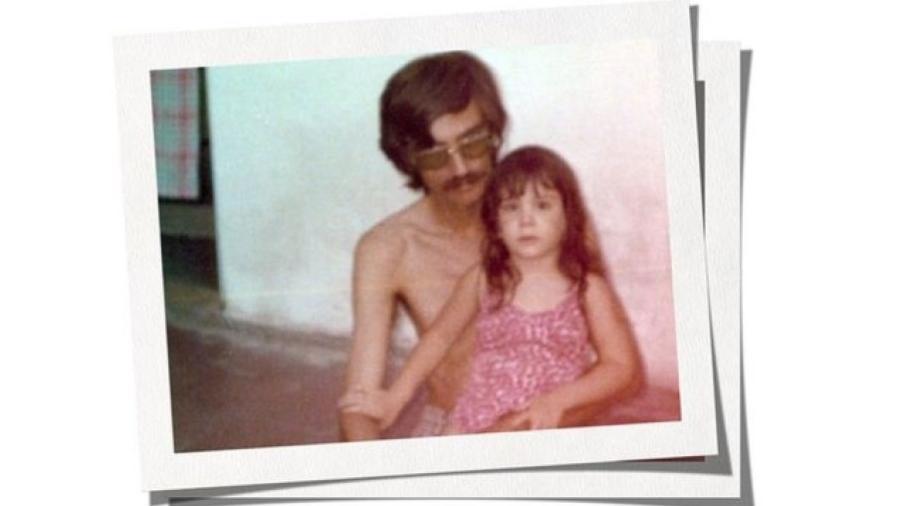 Durante a infância, Paula nunca desconfiou que seu pai fosse um espião da ditadura militar - BBC