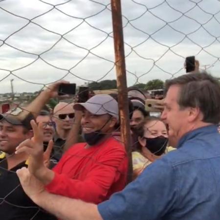 Bolsonaro causou aglomeração em Goianópolis (GO) - Reprodução/Instragram/Major Vitor Hugo