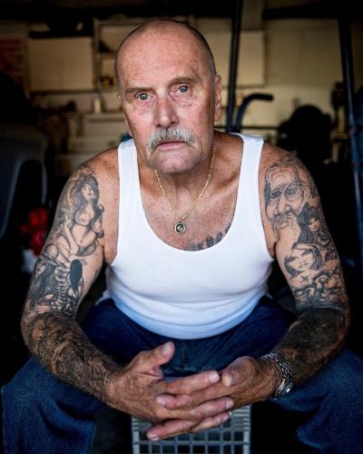"""27.jul.2015 - Lonnie Rose, que passou oito anos em isolamento na Prisão Estadual Pelican Bay, em Stockton, Califórnia, em julho de 2015. Estudo do psicólogo social Craig Haney revisita presos que estavam em regime de isolamento durante anos em Pelican Bay e mostra que eles sofrem """"morte social"""""""