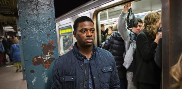 Detetive Marquis Cross, da Polícia de Nova York, integrante da equipe de policiais que buscam assediadores de mulheres em vagões e estações de metrô da cidade