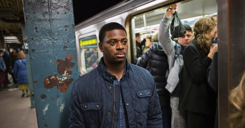 23.fev.2016 - Detetive Marquis Cross, da Polícia de Nova York, integrante da equipe de policiais que buscam assediadores de mulheres em vagões e estações de metrô na cidade norte-americana. Registros de crimes sexuais cometidos nesses locais aumentaram 19% em 2015: de 620 em 2014 para 738 no ano passado