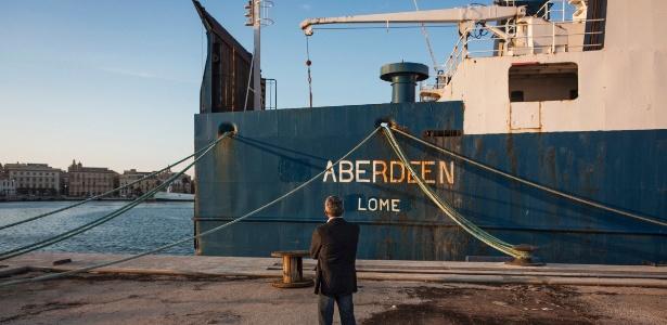 Navio de carga Aberdeen no porto de Trapani, Itália