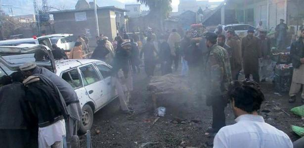 Explosão em mercado do Paquistão deixa 20 mortos e 30 feridos