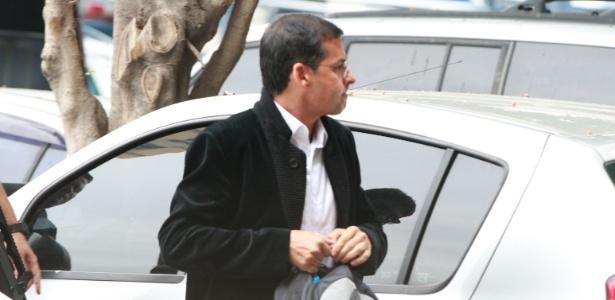 Kiko, que era considerado o último foragido da Operação Eficiência, é levado para a sede da Polícia Federal, na zona portuária do Rio