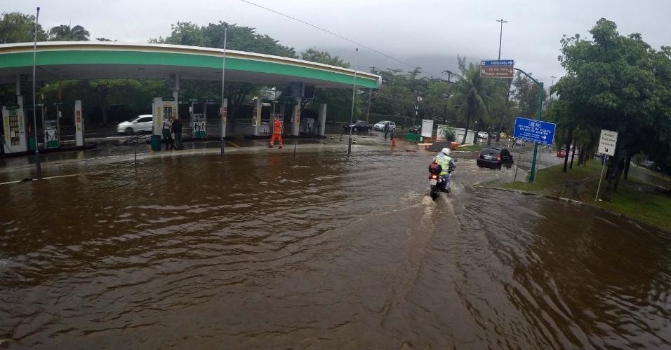 Resultado de imagem para Temporal no Rio alagou bairros da Zona Sul da capital
