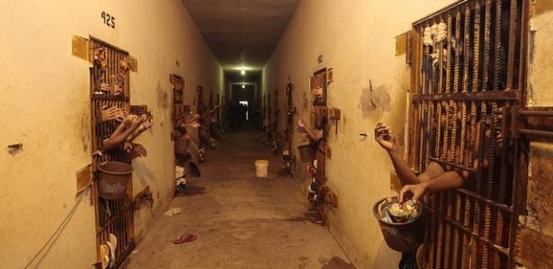 Presos da Unidade Penitenciária Doutor Francisco D'Oliveira Conde, em Rio Branco (AC)