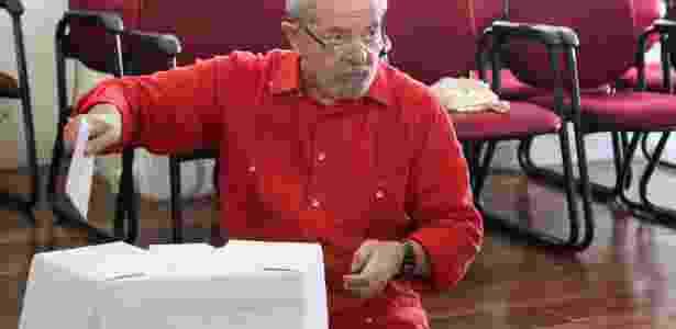 Foto mostra o ex-presidente votando em eleição no PT em abril deste ano - 9.abr.2017 - Jorge Araujo/Folhapress