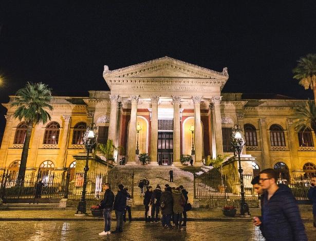 O Teatro Massimo é a maior casa de ópera da Itália e fica em Palermo