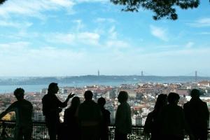 7f14324a28 Portugal dá visto para quem compra casa ou é aposentado  veja outras ...