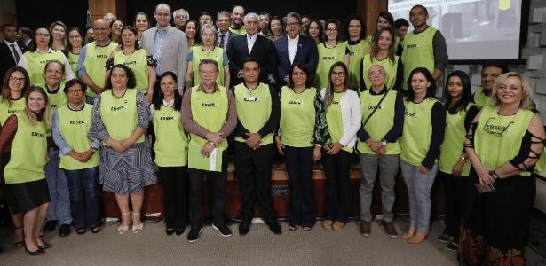 Michel Temer posou para foto com funcionários da Ebserh em evento em Brasília - Presidência da República/Divulgação