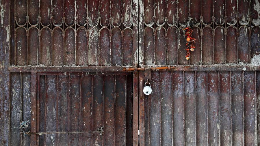 portão de fábrica fechada - ADNAN ABIDI/REUTERS