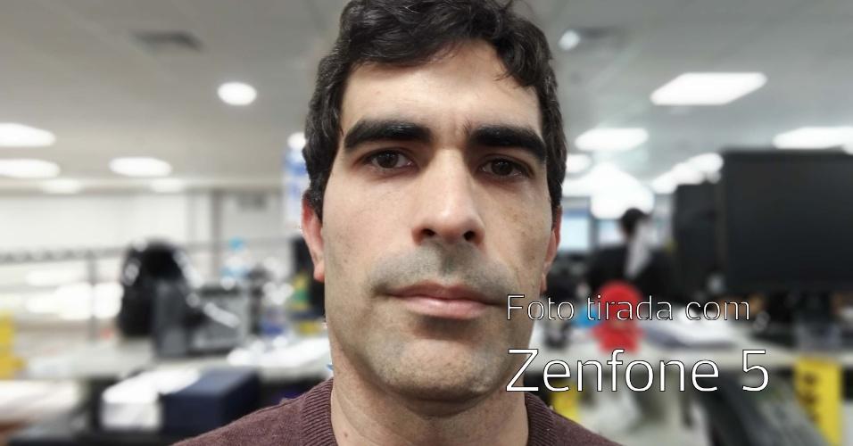 Foto tirada com câmera frontal do Zenfone 5