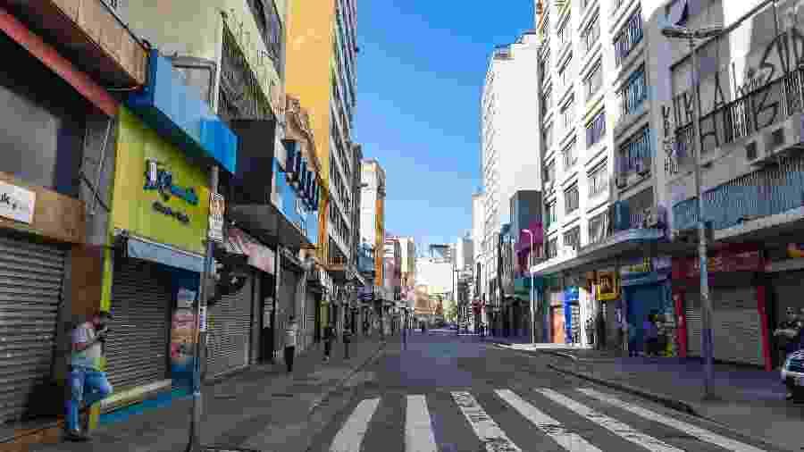 23.mar.2020 - Ruas vazias pelo centro de São Paulo, uma das regiões mais movimentadas da cidade - Anderson Lira/Frame Photo/Estadão Conteúdo