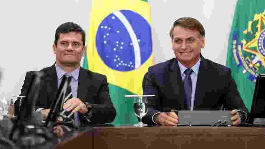 5.fev.2020 - O presidente Jair Bolsonaro (sem partido) em reunião com o então ministro da Justiça, Sergio Moro, e secretários - Marcos Corrêa/PR