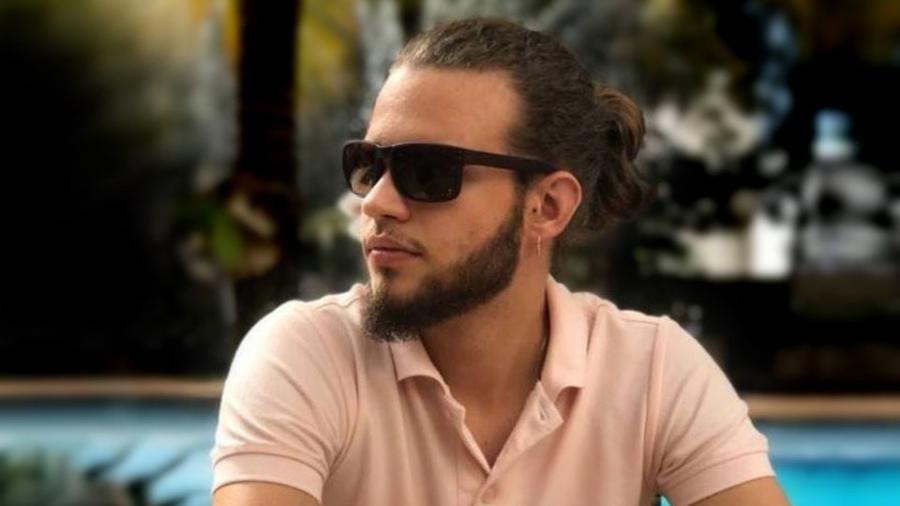 Pedro Henrique Santos Krambeck Lehmkul, de 22 anos, foi picado por uma cobra naja - Arquivo pessoal