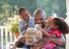 Dia dos Pais: dez eletrônicos de até R$ 150 para você dar de presente (Foto: Getty Images)
