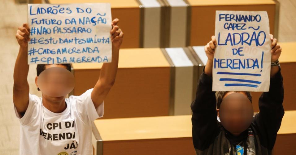05.mai.2016 - Estudantes continuam ocupando a Alesp (Assembleia Legislativa do Estado de São Paulo) nesta quinta-feira (5). Eles protestam contra a 'máfia da merenda' e os cortes na educação
