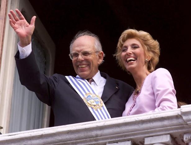 Ex-presidente uruguaio Jorge Batlle com sua mulher, Mercedes, em foto de 2000