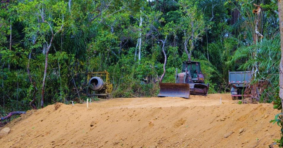 23.dez.2016 - Exercito Brasileiro já trabalha na construção de acessos alternativos ao Quilombo Rio dos Macacos