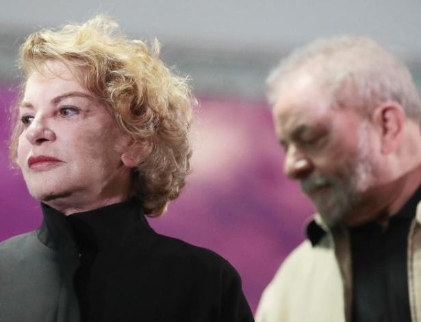 15.ago.2016 - Marisa Letícia e o ex-presidente Lula durante Encontro das Mulheres e Militantes em Santo André (SP)