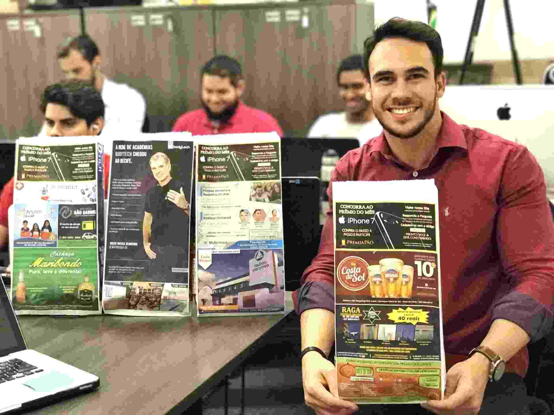 O empresário Diego Castro é dono da PremiaPão, de Recife (PE). A franquia faz publicidade em saco de pão - Divulgação